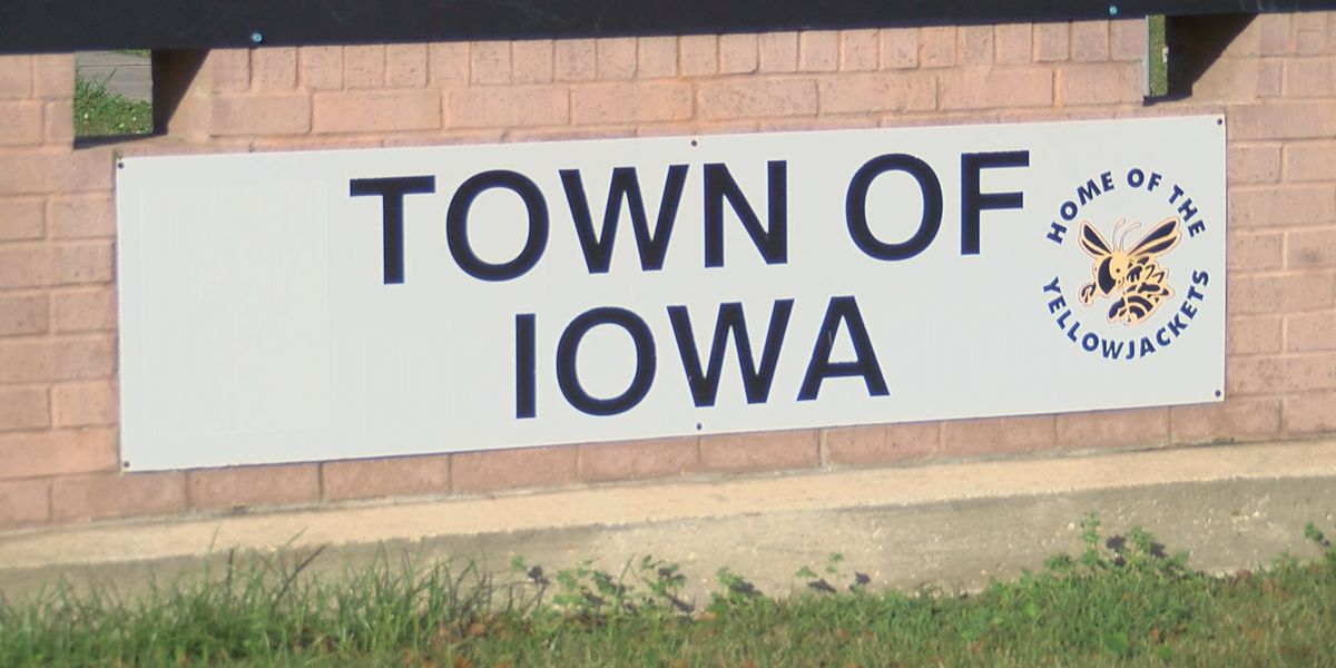 Iowa mayoral candidates discuss their stance on key issues