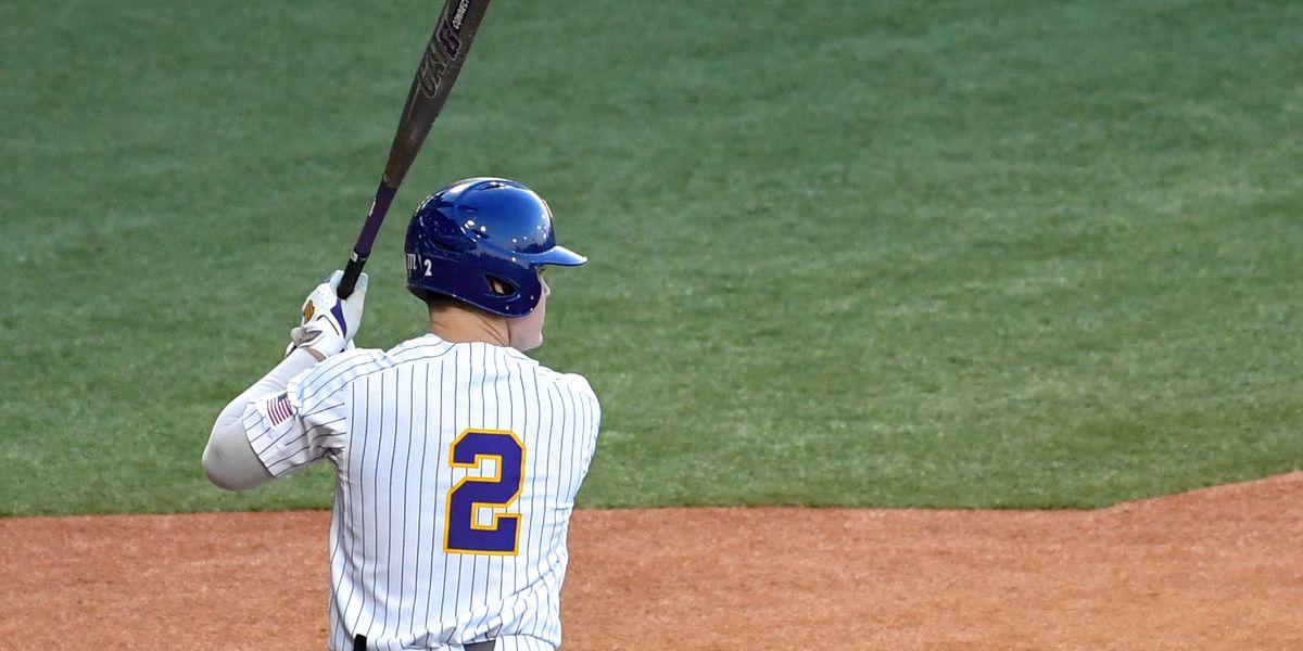 No. 7 LSU baseball beats Nicholls on walk-off double in 10 innings