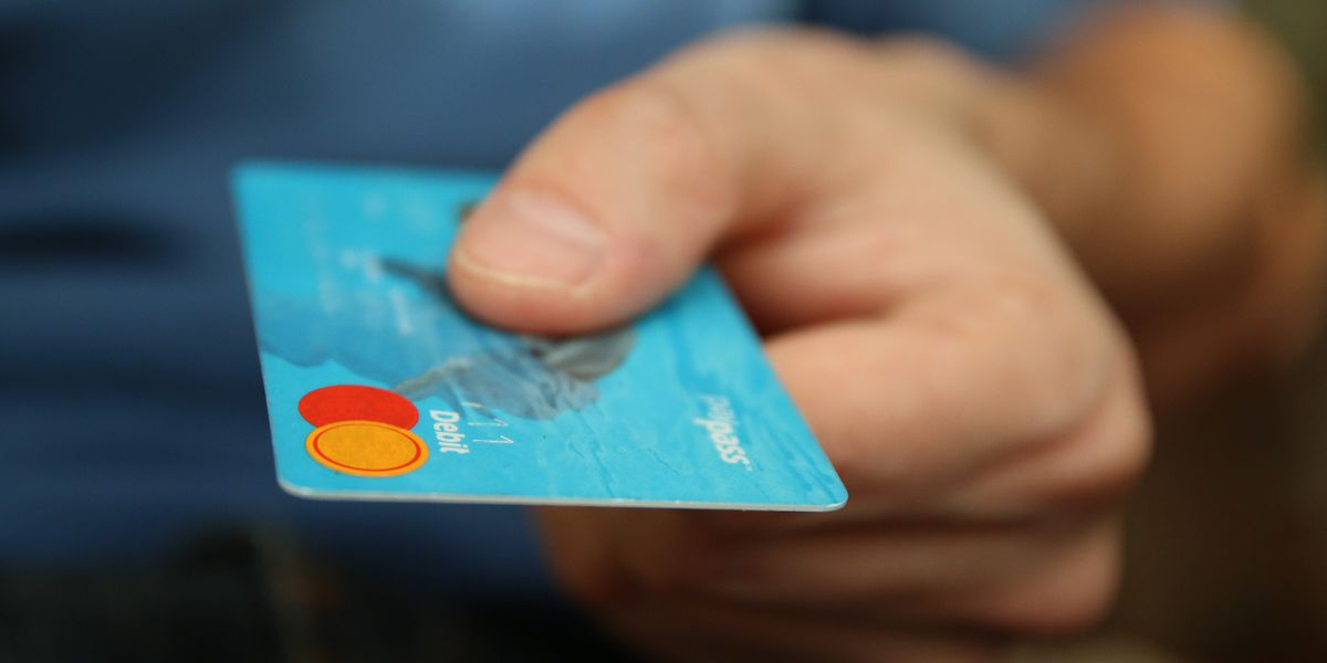 FTC warns consumers about paying scammers with gift cards