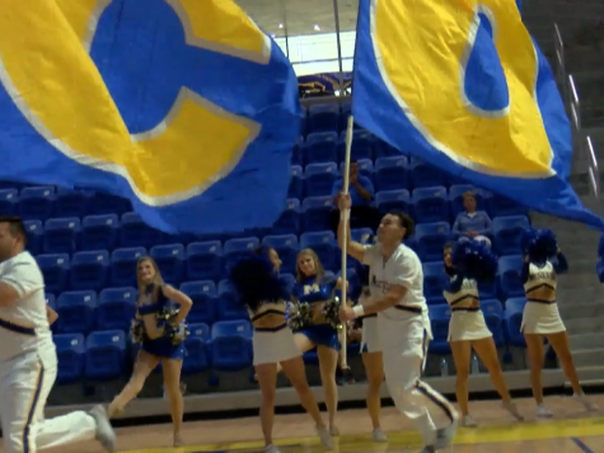 Pokes kick off baskebtall season with McNeese Madness