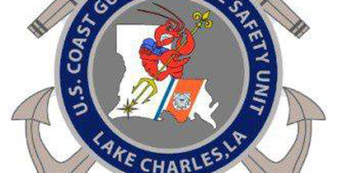 Partially sunk towing vessel closes Gulf Intracoastal Waterway
