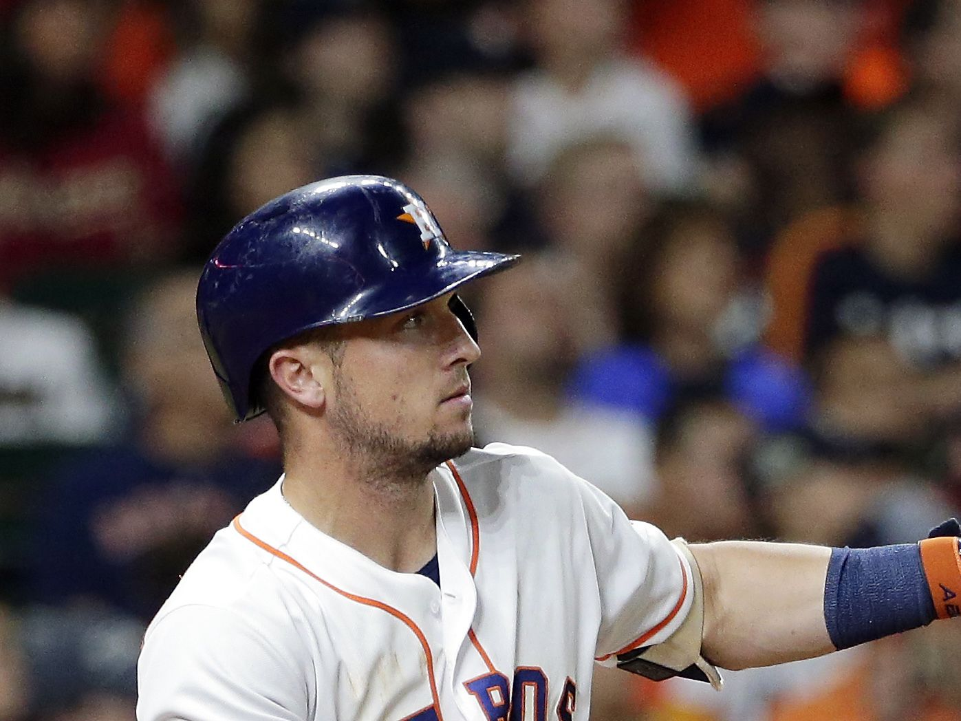 Astros sign Alex Bregman to five-year, $100 million contract extension