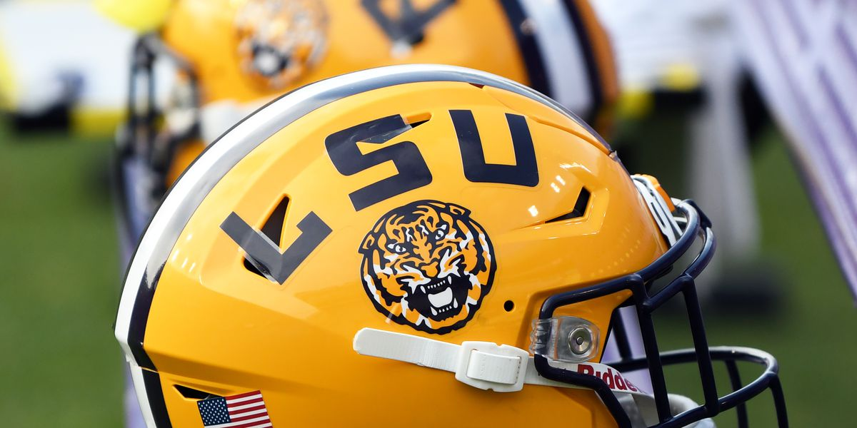 REPORT: LSU jumps to No. 1 spot in 2020 recruiting class after landing 4-star DE commitment