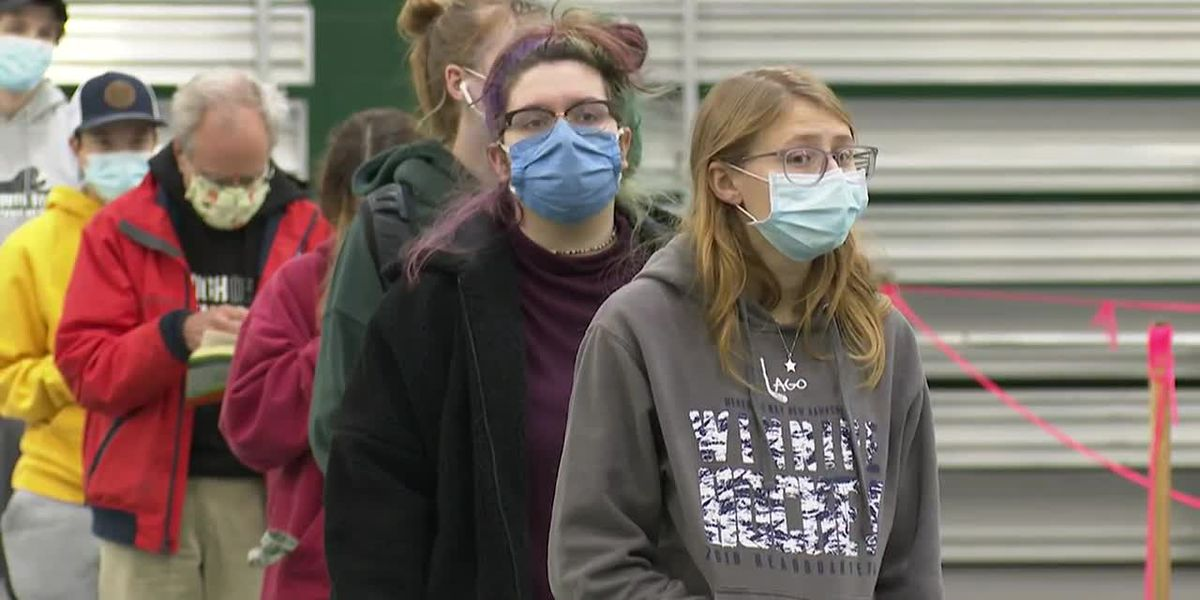 Student heading home for the holiday? Get a virus test, colleges say
