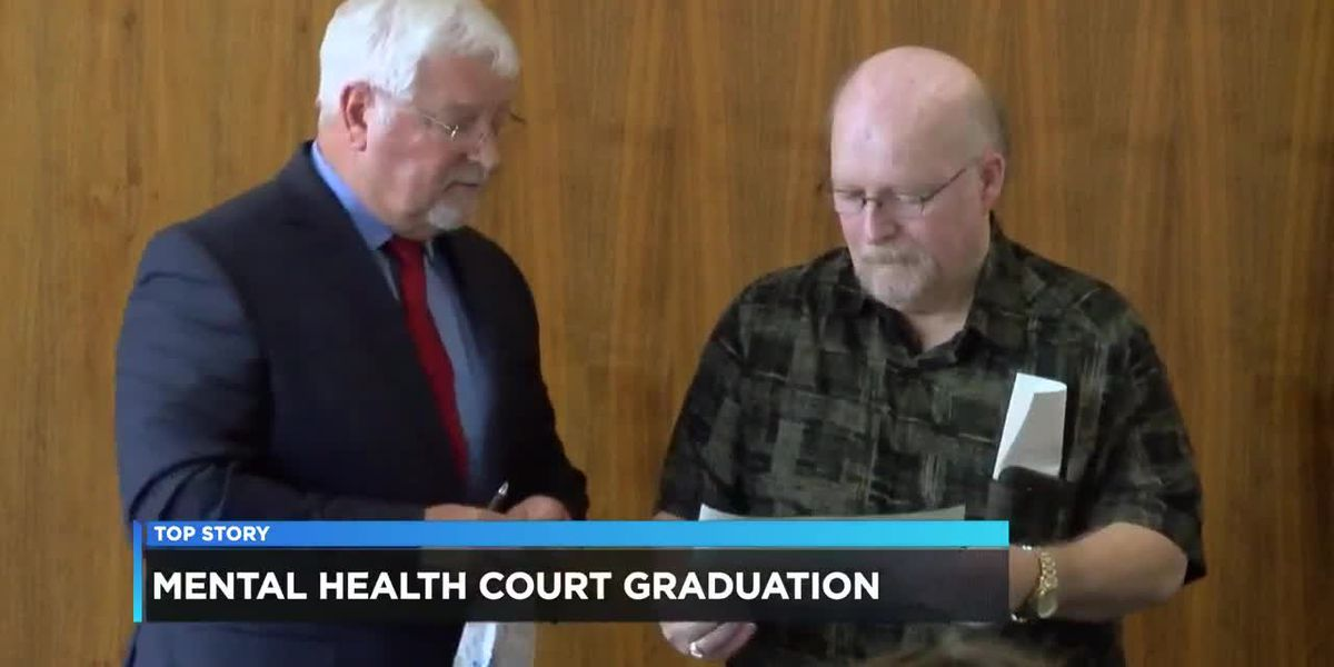 Four candidates graduate from Mental Health Court