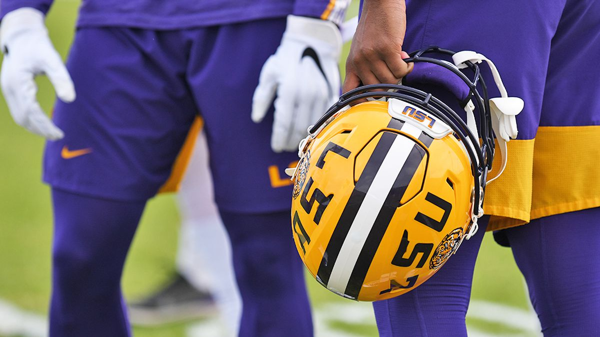 LSU picked by media to finish second in SEC West