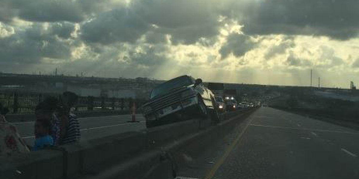 I-10 Bridge Eastbound reopened after vehicle stuck on concrete median