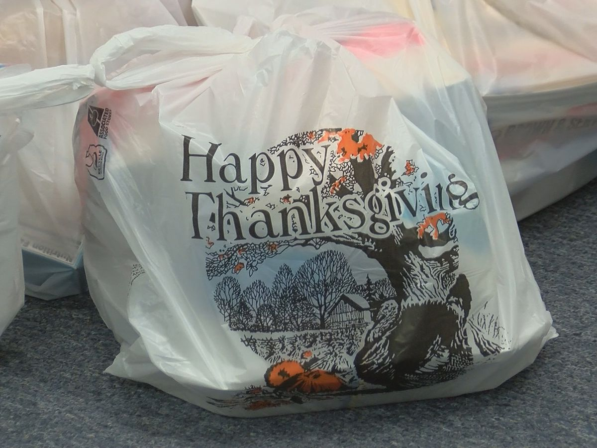 Sulphur church gathers to put together Thanksgiving food baskets