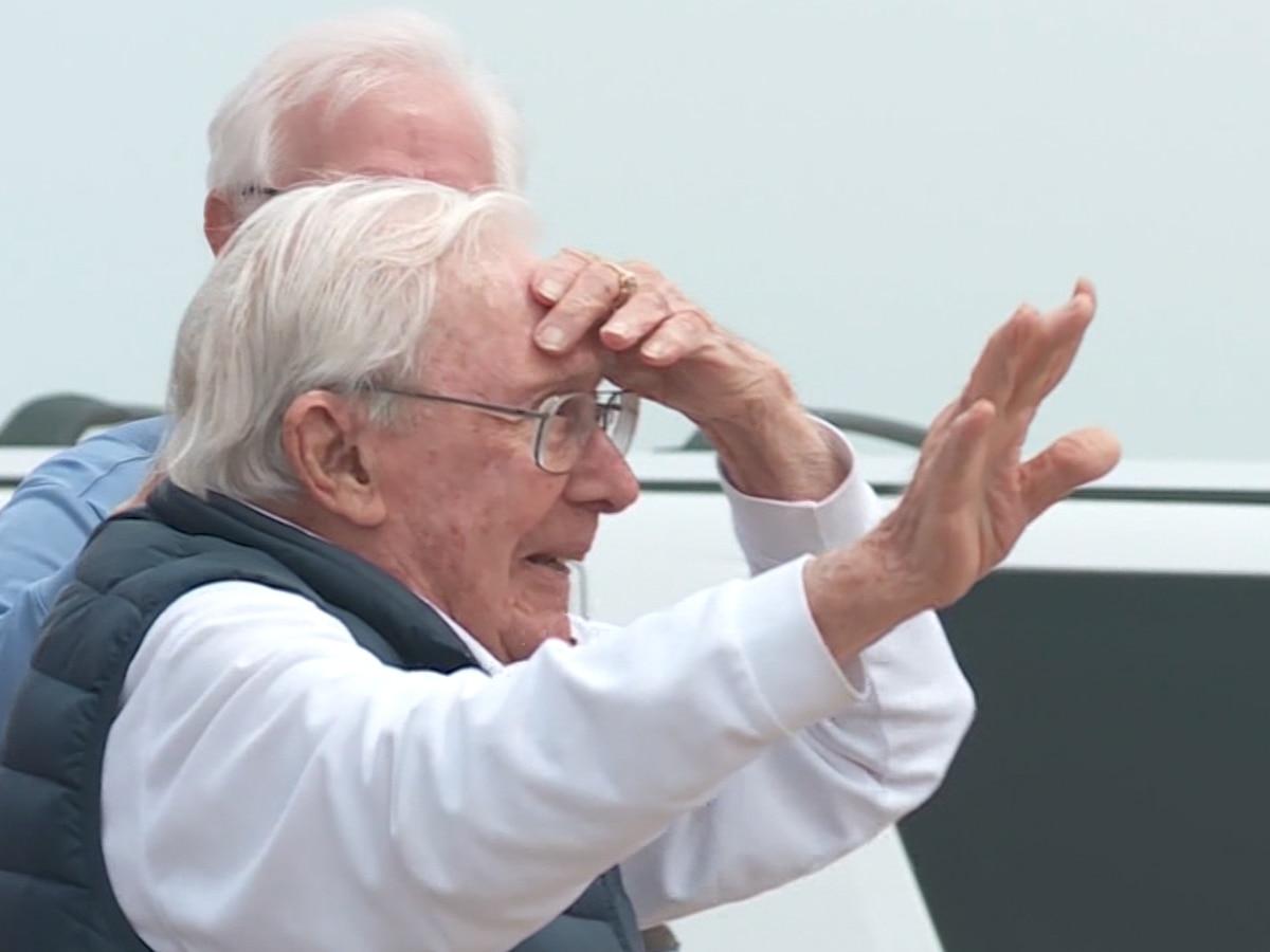Oklahoma man celebrates 100th birthday with parade
