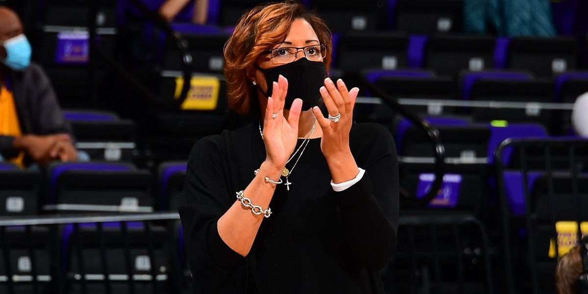 AP Source: LSU's Fargas in negotiations to be Aces president