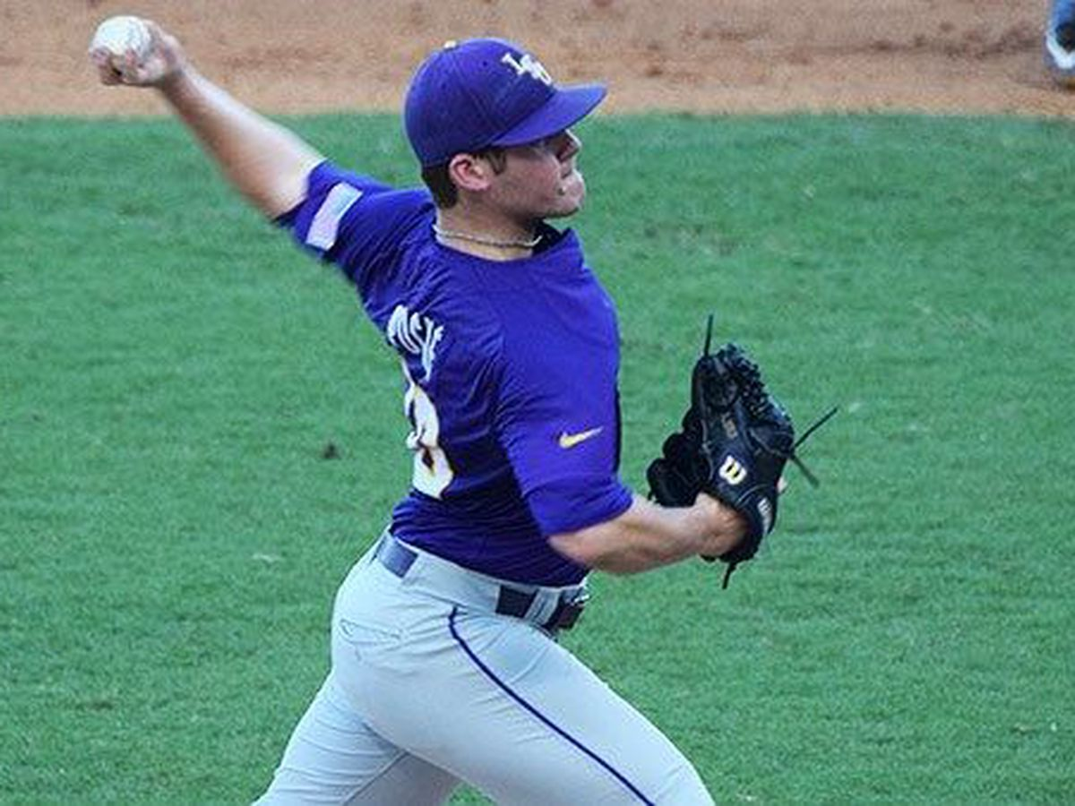 Former LSU pitcher Jared Poche decides to retire from professional baseball