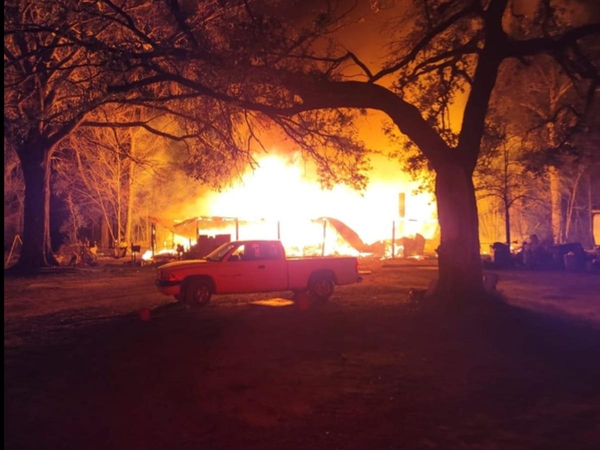 Beauregard Parish firefighters respond to structure fire in Singer area