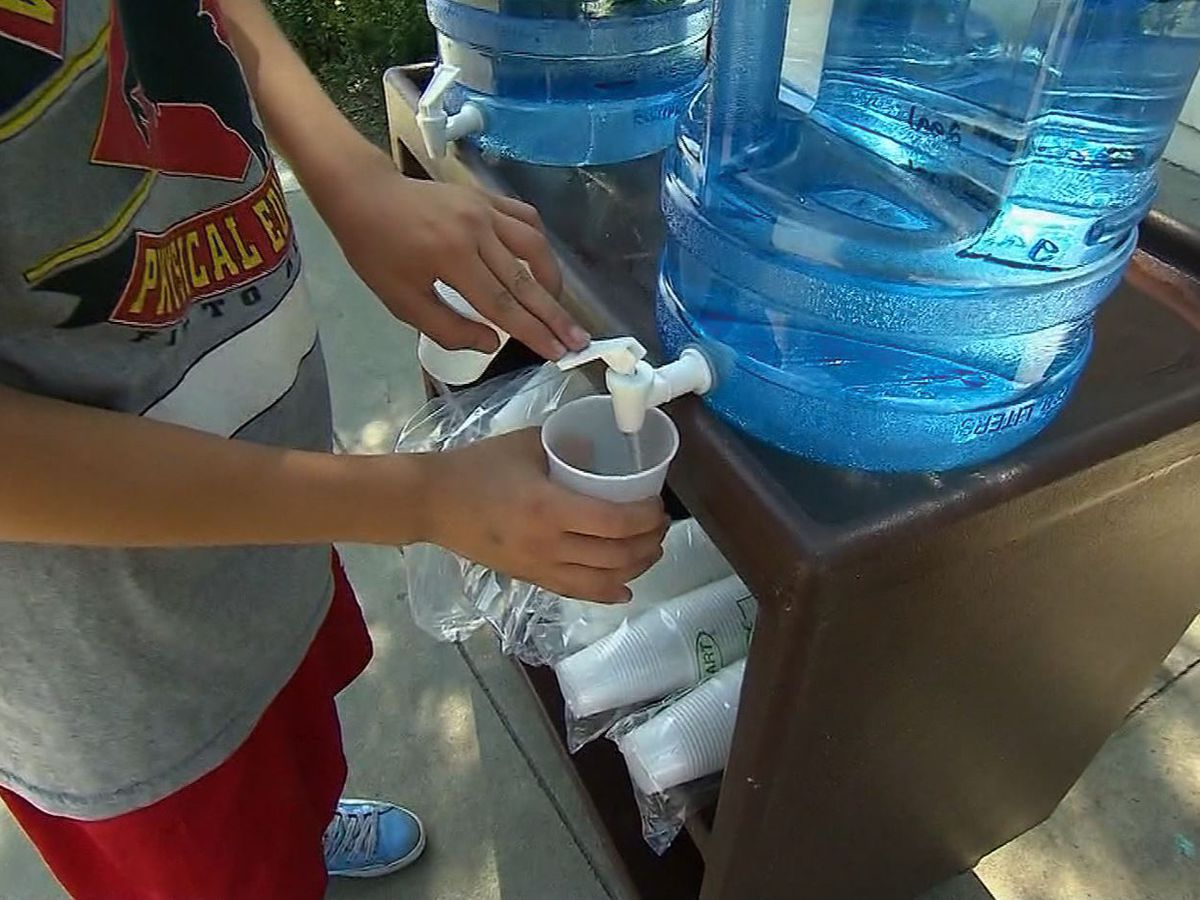 Kids who consume less water drink more sugary drinks, study finds