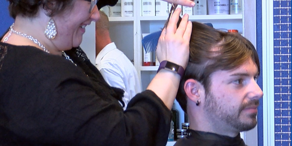 Free haircuts being offered to federal employees affected by government shutdown