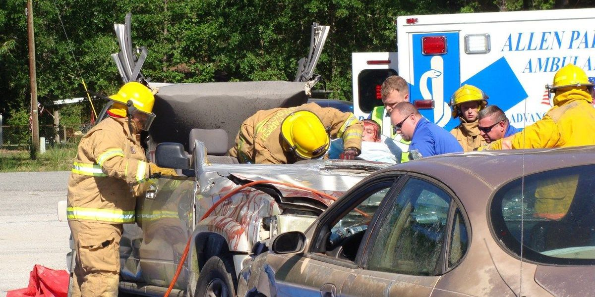 Reeves High School holds mock car crash to show dangers of distracted driving