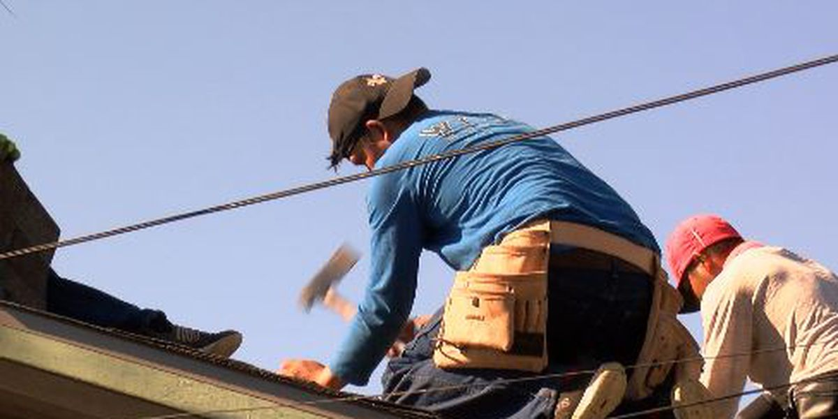 Well known animal rescuer gets free roof from Texas contractors