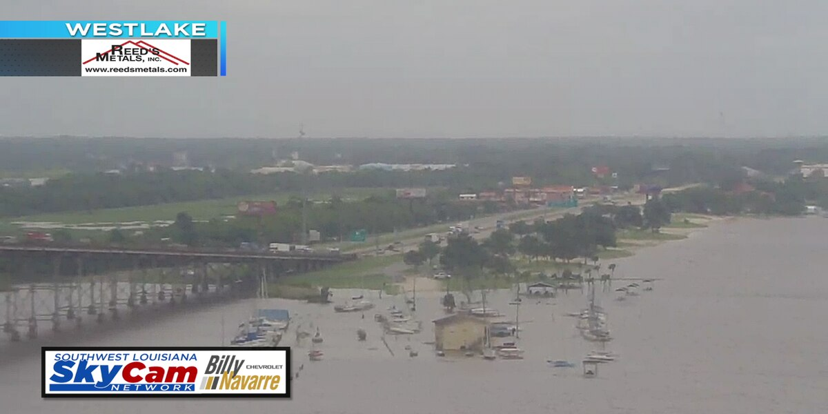 Strong winds causing coastal flooding across SWLA