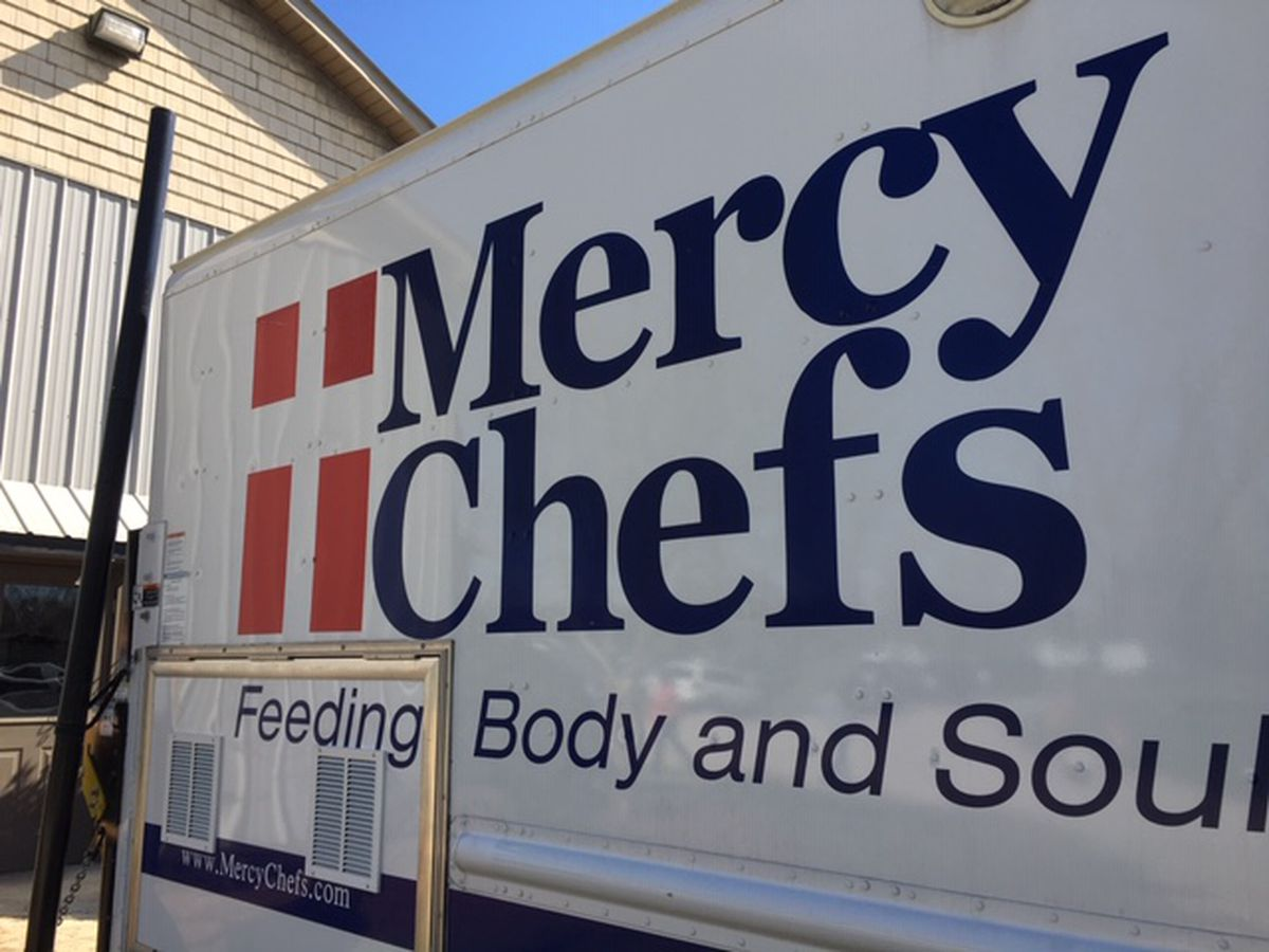 Mercy Chefs delivering 4,000 holiday meals in Lake Charles