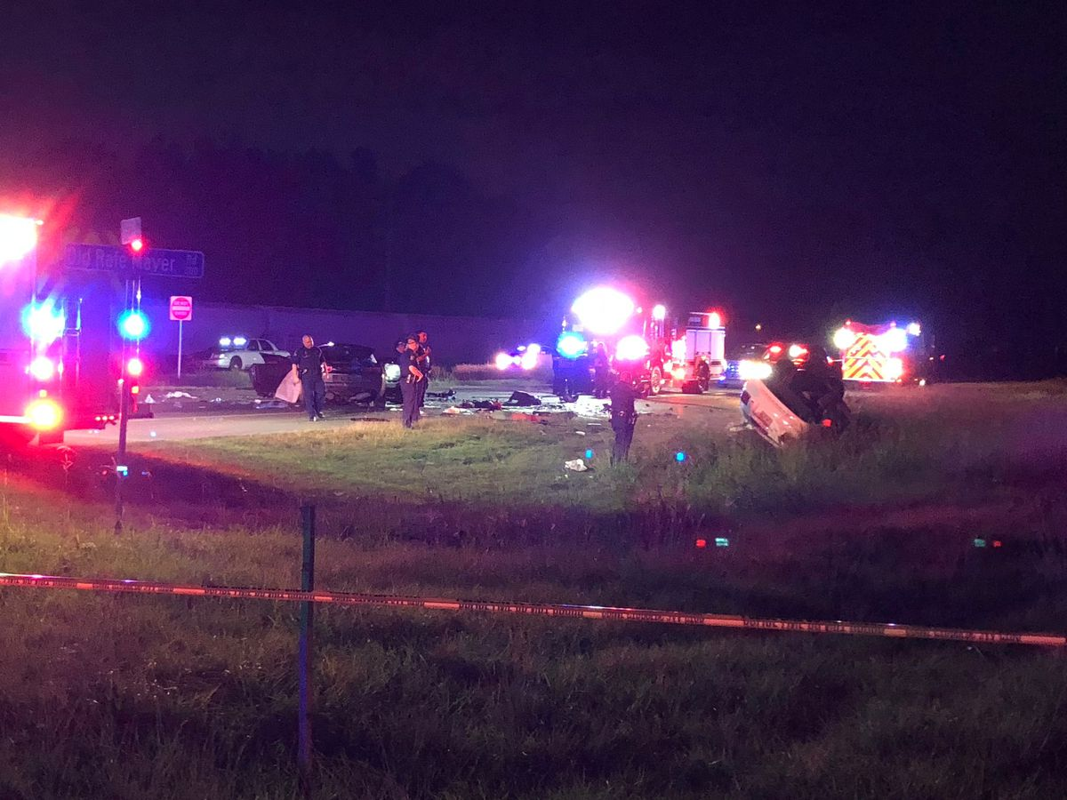 2 dead, 3 critically injured following police chase that ended in head-on collision