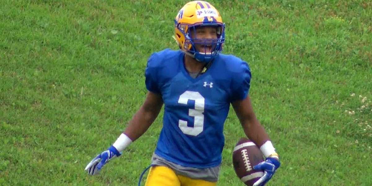 JUCO transfer Curtis shines in Blue and Gold game