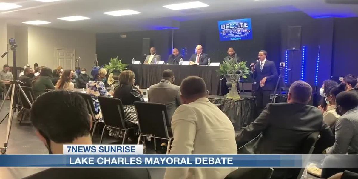 Mayoral candidates take part in debate one week before early voting