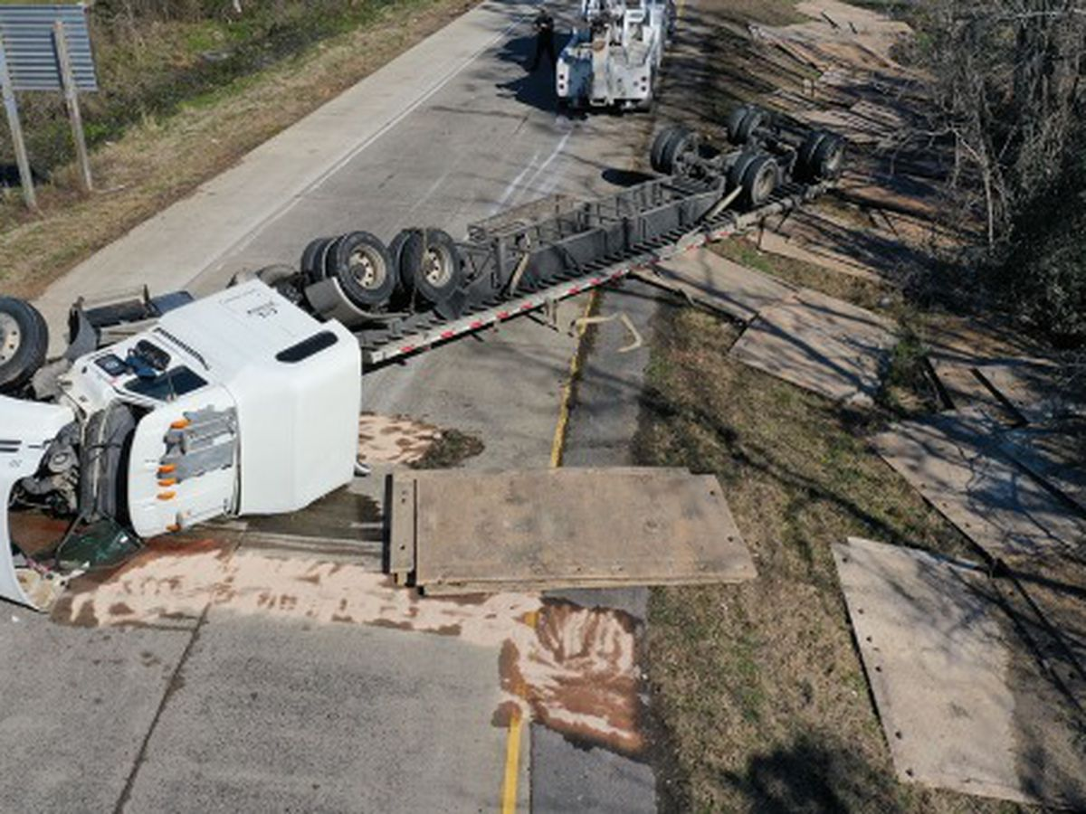 FIRST ALERT TRAFFIC: I-10 E Beglis Parkway exit closed due to flipped 18-wheeler