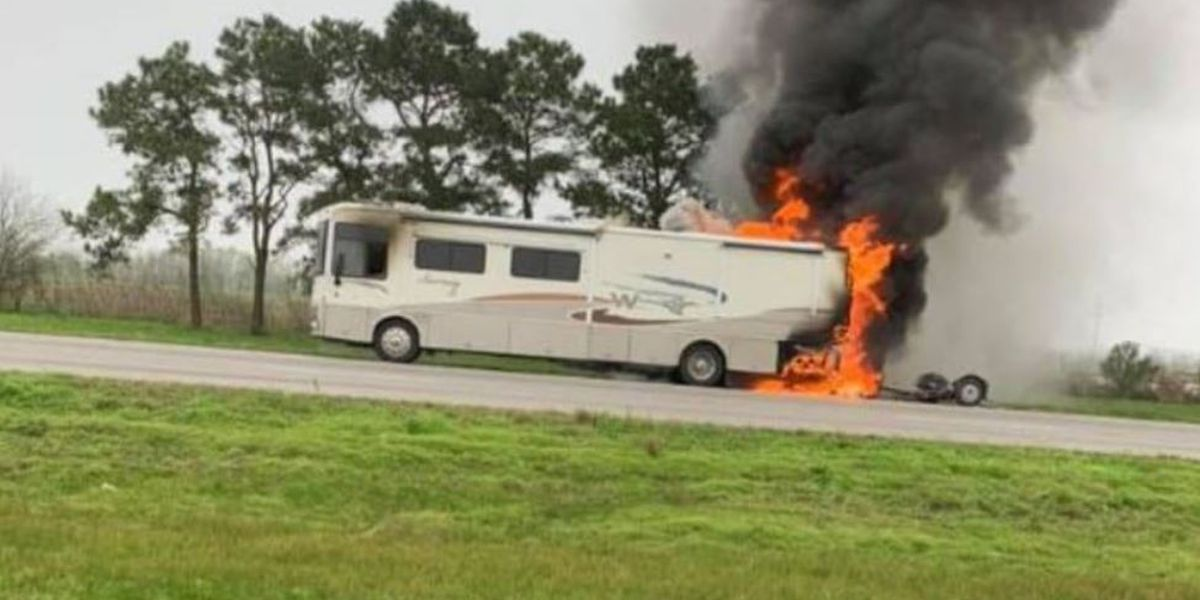 RV fire reported on I-10 EB between Rayne and Crowley