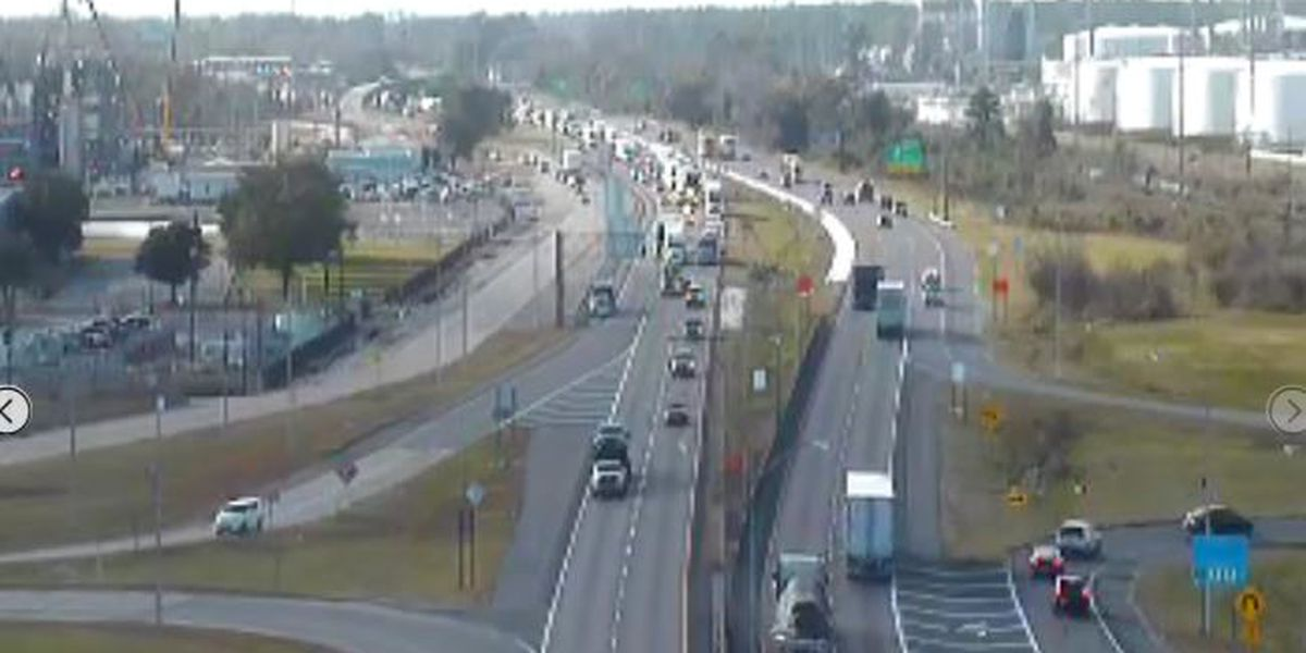 FIRST ALERT TRAFFIC: Accident on I-10 EB near Calcasieu River Bridge causing delays
