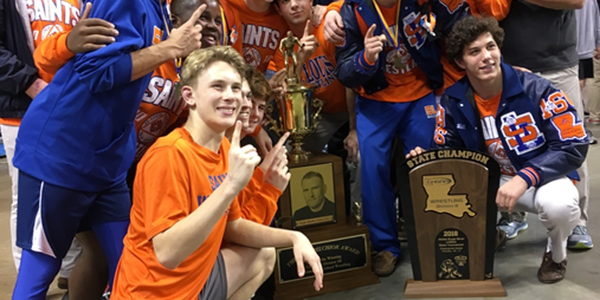 St. Louis Catholic wrestling team wins state title