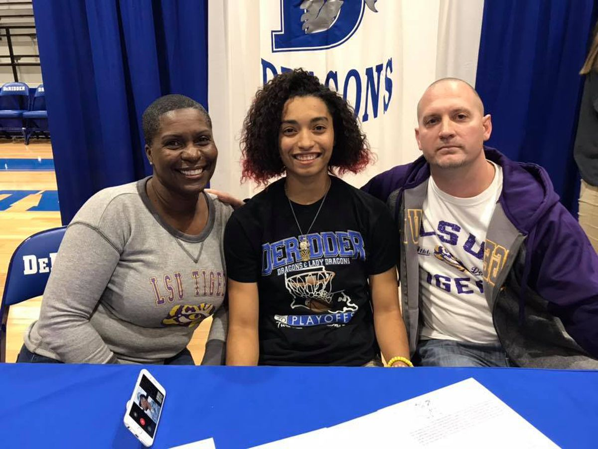 DeRidder point guard Domonique Davis signs with LSU