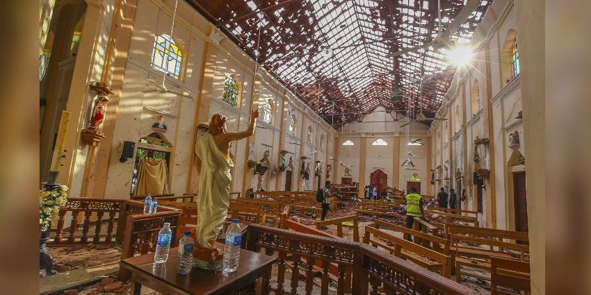 Sri Lanka arrests 40 suspects after bombings; death toll up to 310