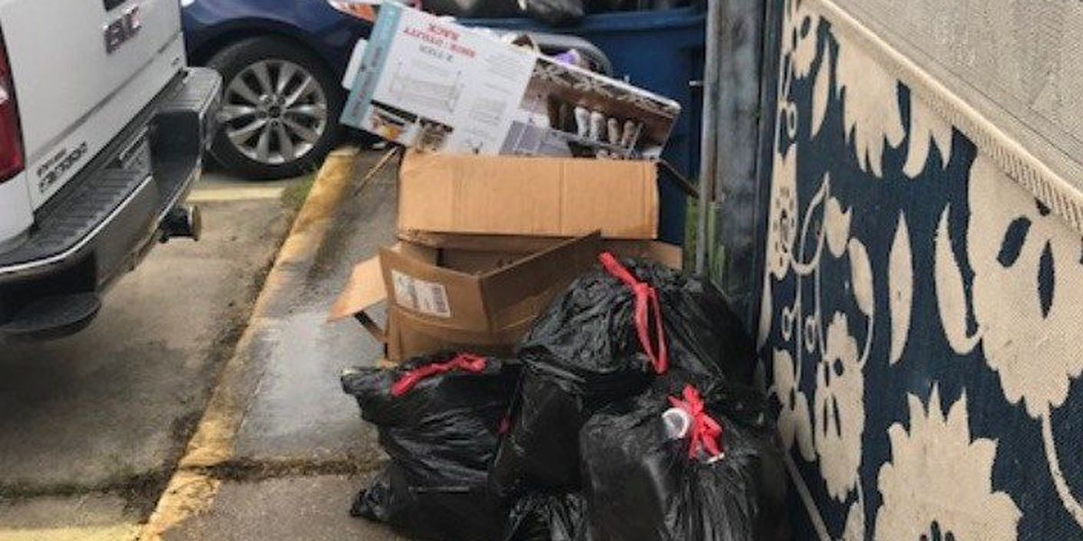 Residents of Moss Bluff complain of garbage piling up