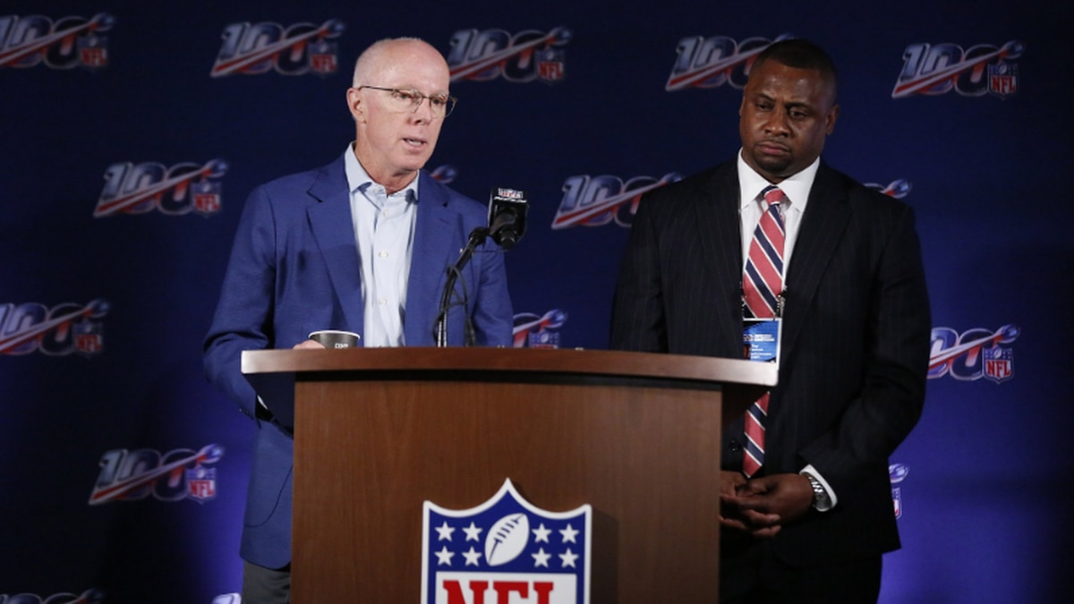 NFL owners clear way for decision on whether to refine new rule allowing replay challenges