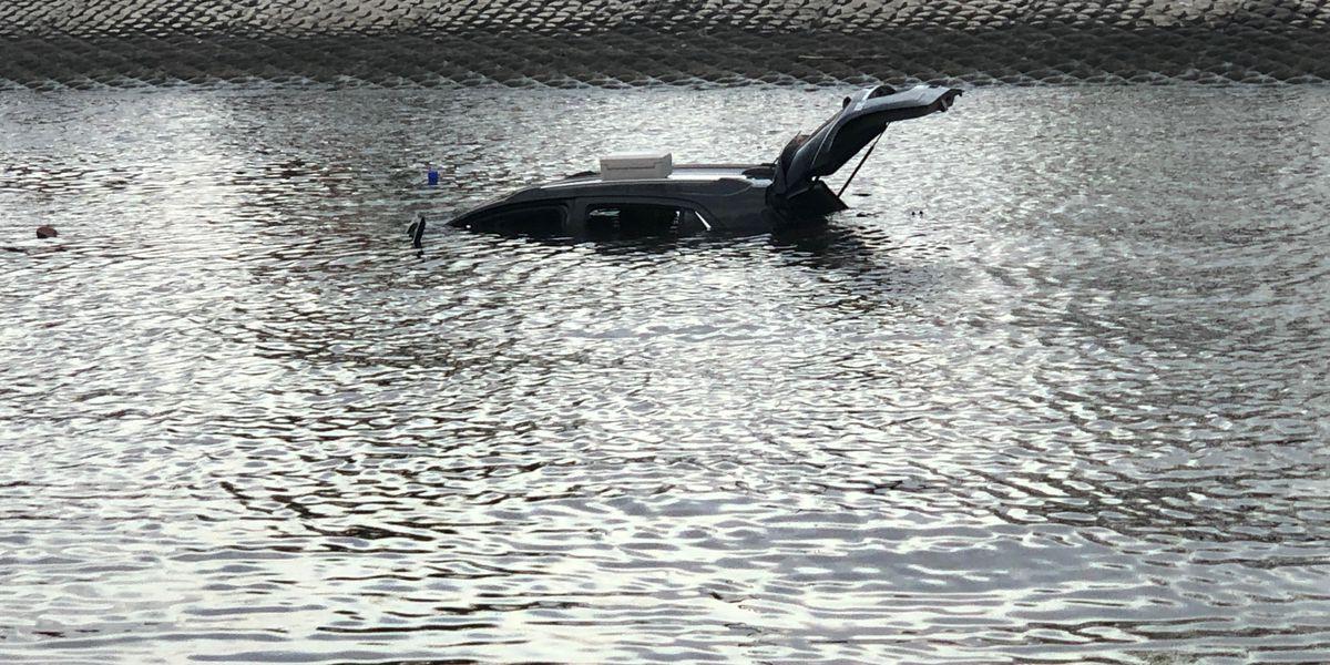 Man drives car into lake at Prien Lake Park