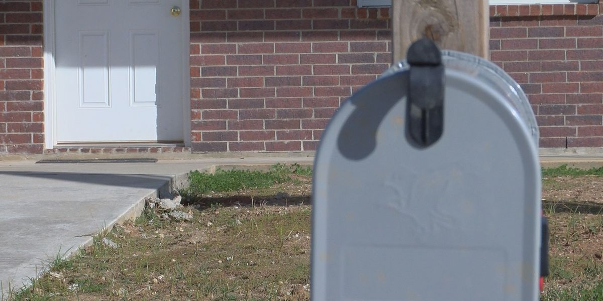 Calcasieu Parish Sheriff's Office discusses ways to protect your packages from porch pirates
