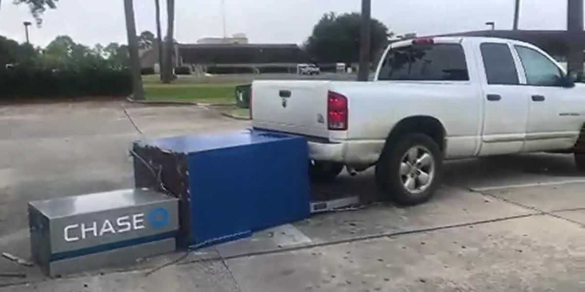 Police: Thieves use truck to attempt to pull ATM from Nelson Road bank