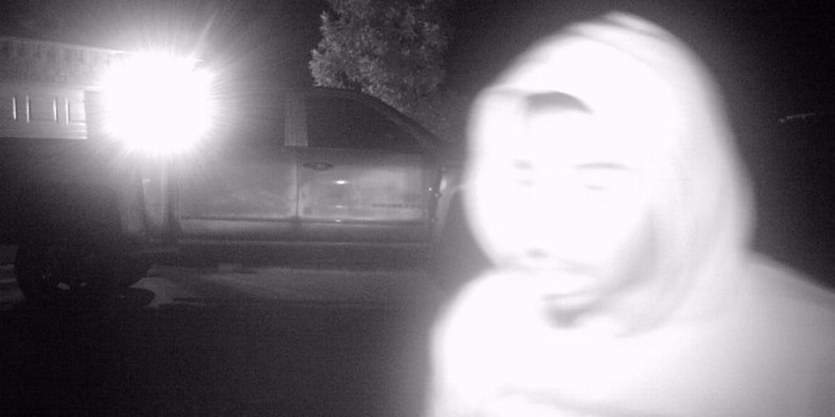 Authorities say suspects in Moss Bluff vehicle burglaries caught on camera