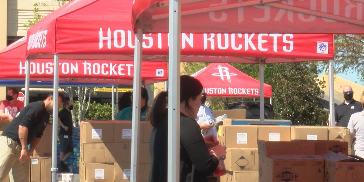 Houston Rockets, Golden Nugget host distribution event in SWLA