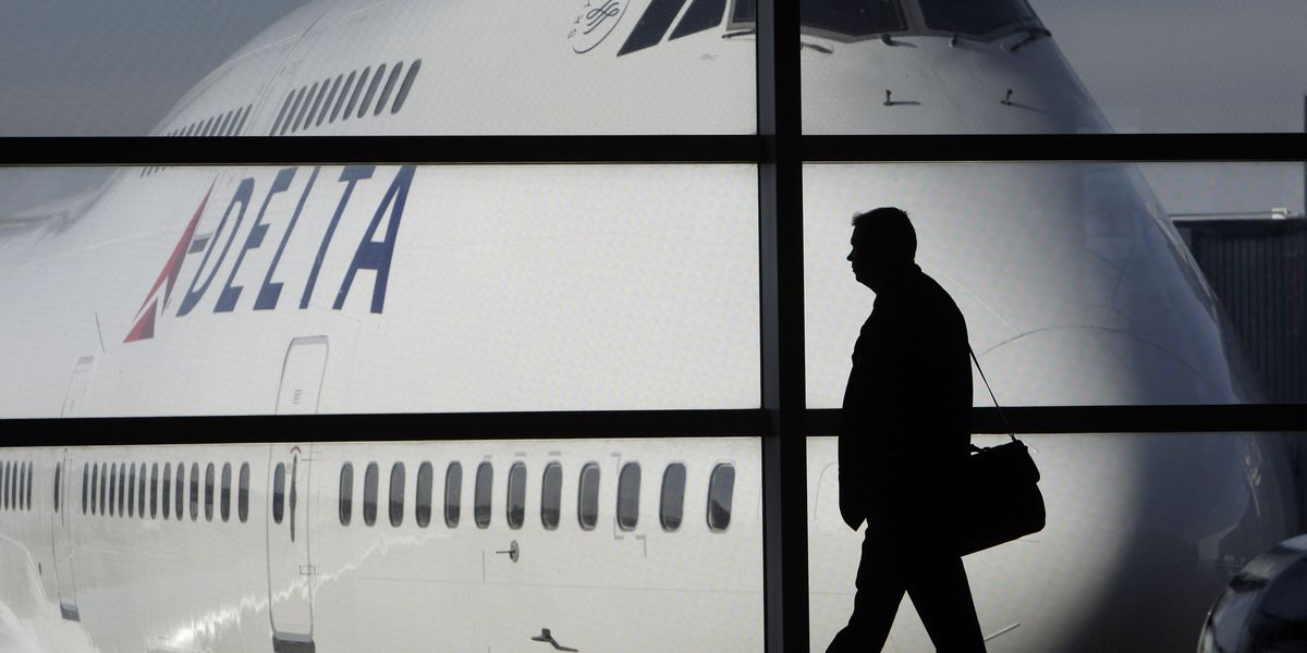 Delta flight has emergency landing after engine catches fire