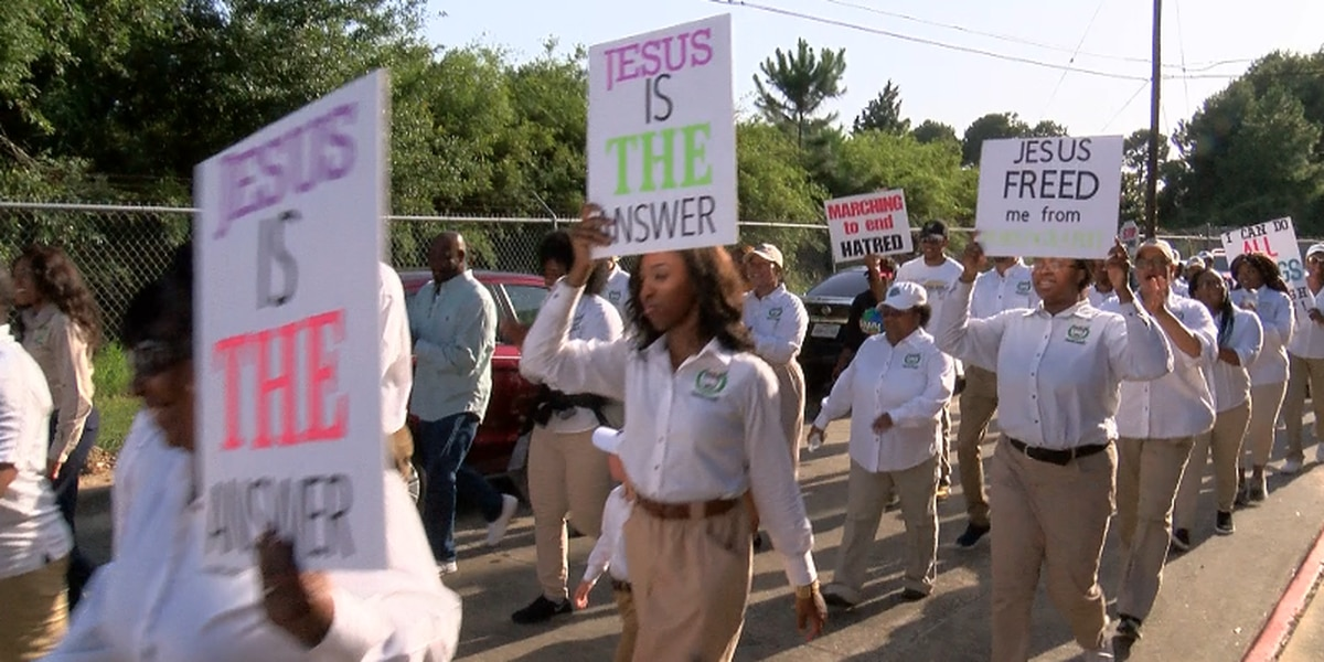 Highways and Hedges marches against crime in Lake Charles