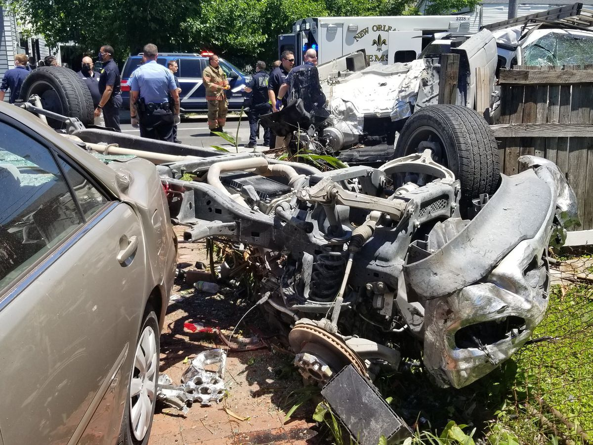 7 juveniles steal truck before police chase ends in crash; 2 critically injured