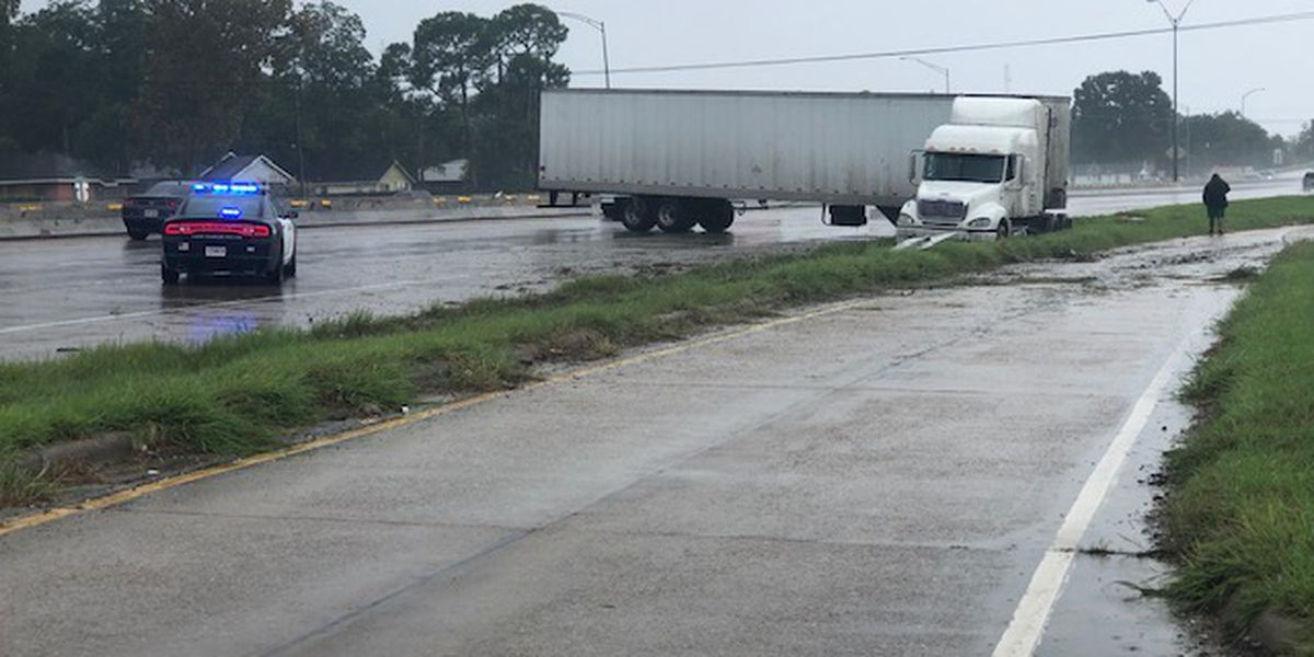 FIRST ALERT TRAFFIC: Avoid I-10 WB at Shattuck St. due to jackknifed 18-wheeler