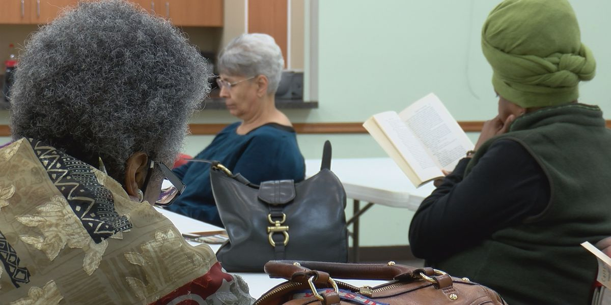 Readers discuss creole identity in literature