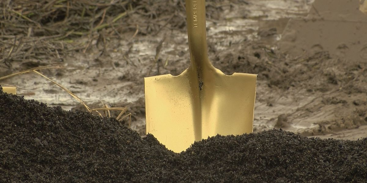 The City of Lake Charles breaks ground on new golf course