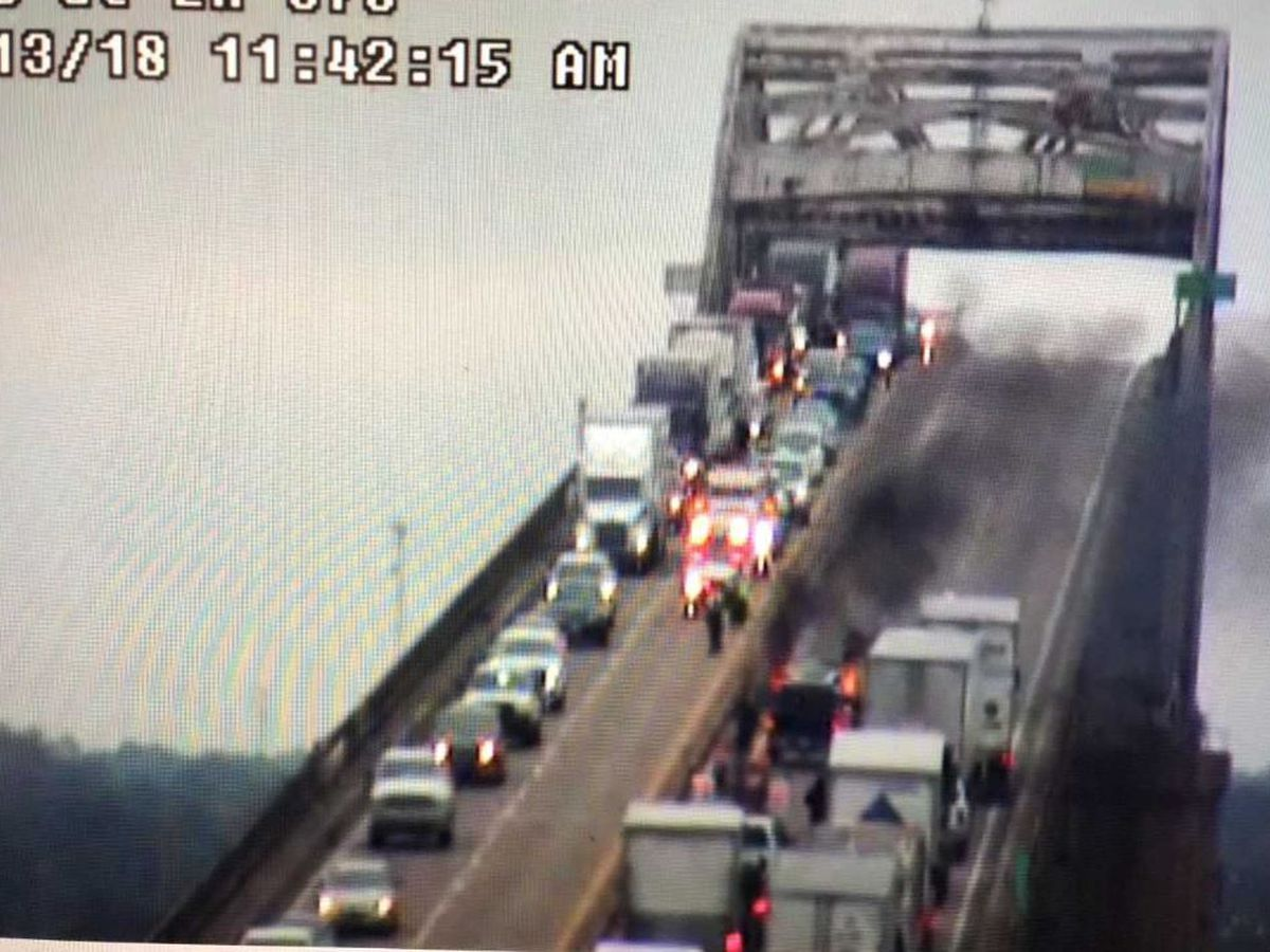 Vehicle catches fire atop I-10 Calcasieu River Bridge