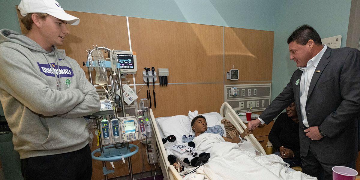 LSU Tigers visit children's hospital in Atlanta