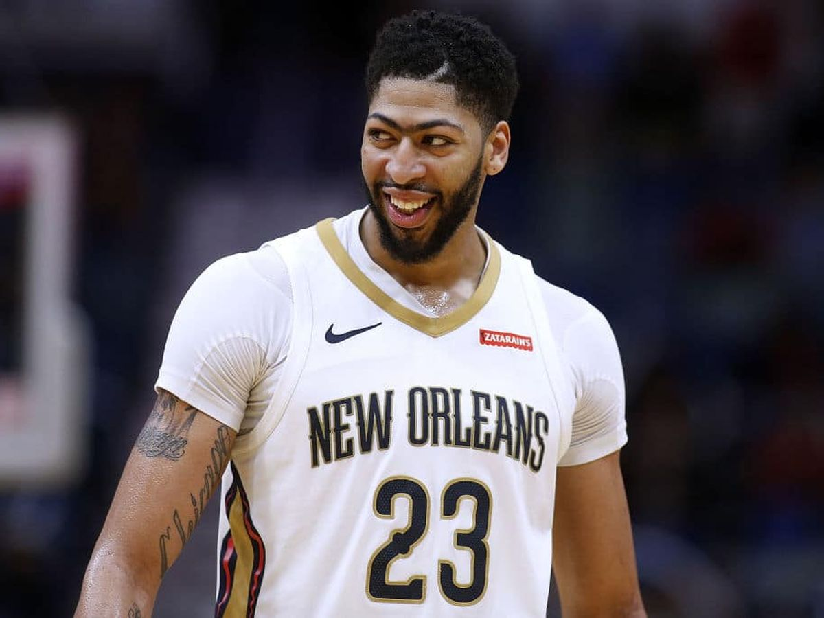 Report: Pelicans trade Anthony Davis to Lakers for three players, three first-round picks