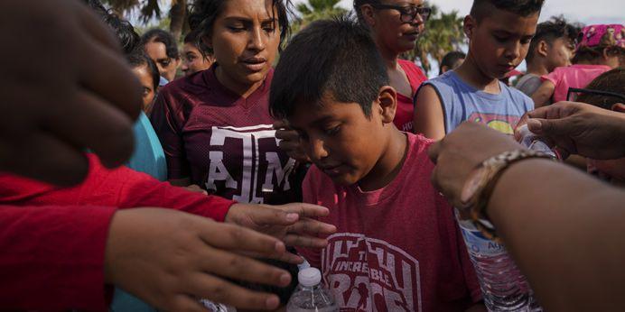 Trump administration puts tough new asylum rule into effect