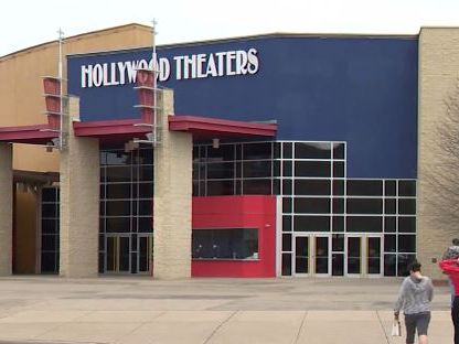 Teen shot in argument reportedly over making noise at PA movie theater