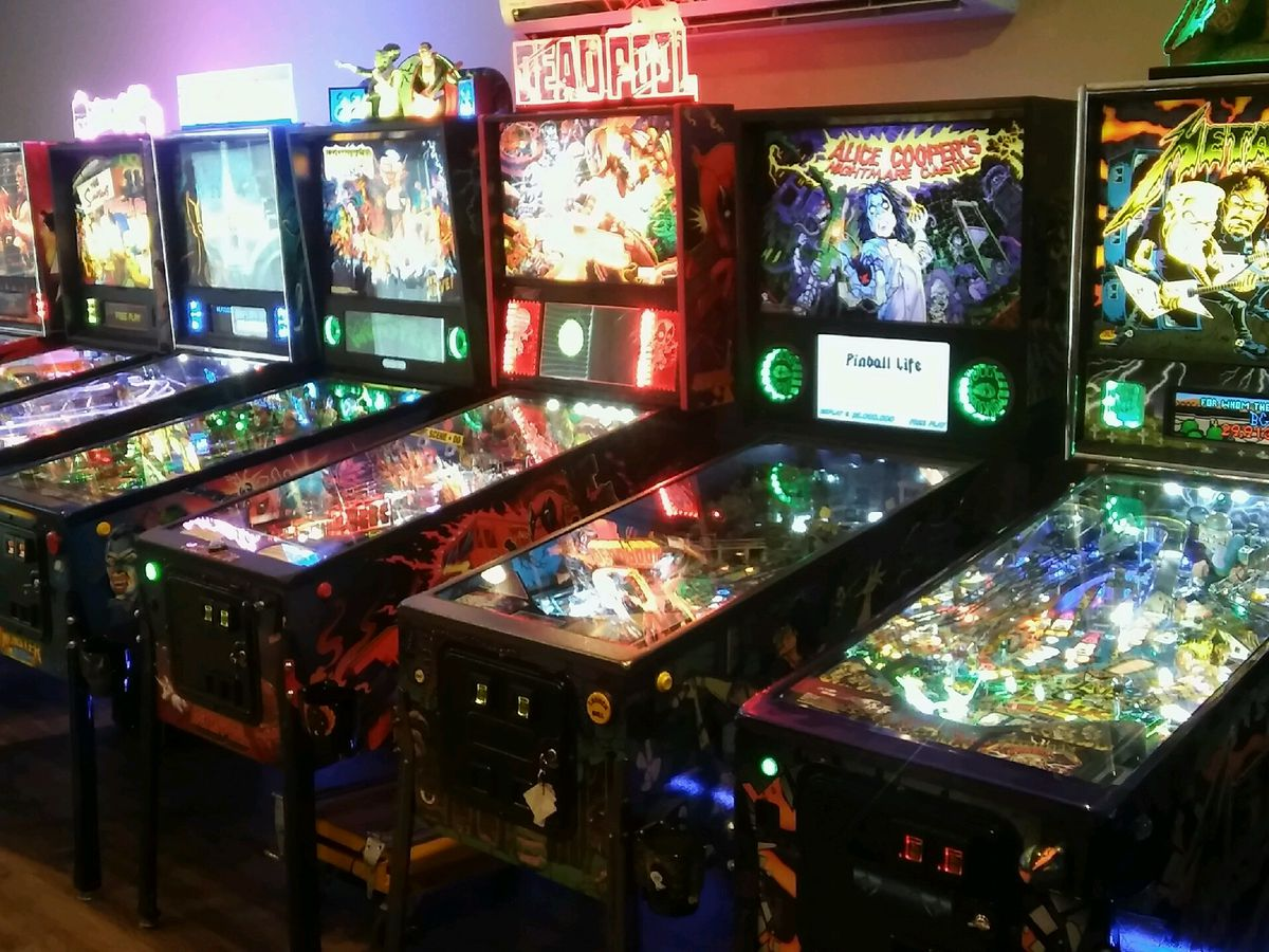 Top 16 compete for the Louisiana State Pinball Championship